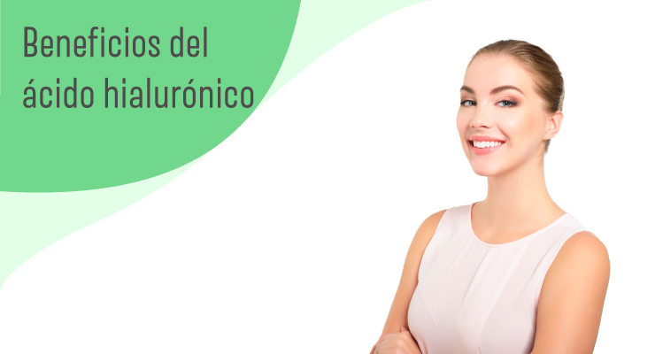 Mujer contenta con el tratamiento del acido hialuronico